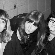 Vivian Girls: Cool Dude Attitude