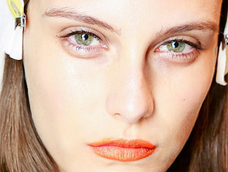 hearty-magazine-beauty-nyfw-rag-and-bone-lips-trend-opt_opt