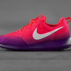 New Nike WMNS Roshe Run