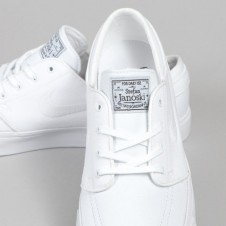 The Perfect All-White Summer Shoe