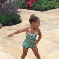 Riley Curry Steals the Spotlight, As Per Usual