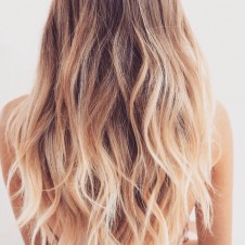 DIY Salt Water Spray For Beachy Waves