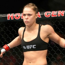 Female UFC Champ Ronda Rousey Takes A Shot At Mayweather